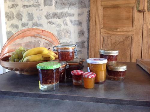 La maison cachee : Guest accommodation near Vidaillac