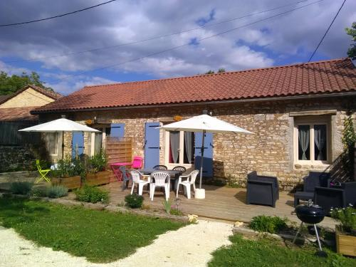 Aux delices de Saleix : Guest accommodation near Le Change