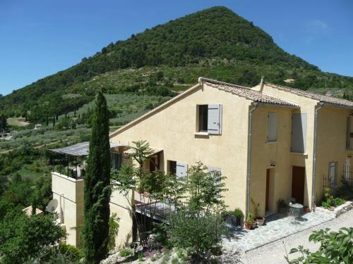 Le Mille Fleurs : Guest accommodation near Eyroles