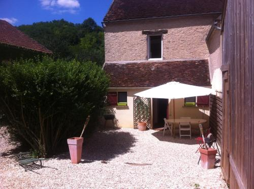 Gite Vezelay : Guest accommodation near Oudan