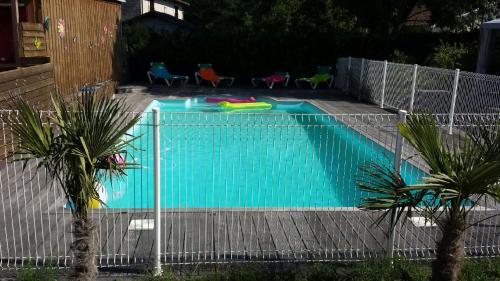 Les maisons de TIMI ....maison Héron : Guest accommodation near Salles