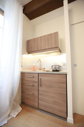 Parisseine Saint Germain Odeon : Apartment near Paris 6e Arrondissement