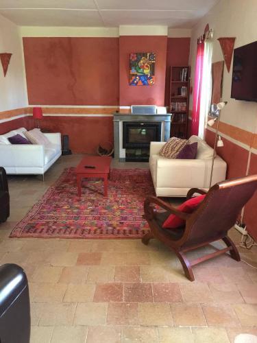 La Maison d'Auriolles : Guest accommodation near Saint-Alban-Auriolles