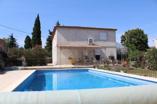 Chez Serge et claudia : Guest accommodation near Aurons
