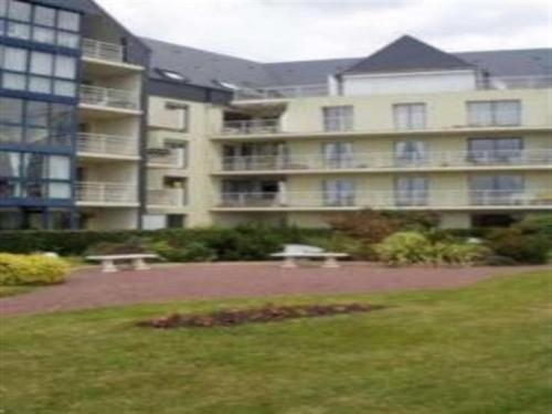 Apartment Appartement granville dans résidence avec ascenseur : Apartment near Longueville