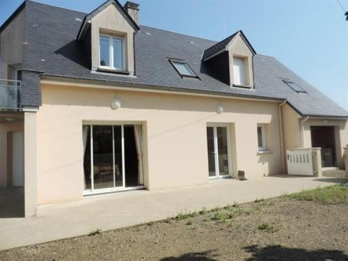 House Maison contemporaine a un kilometre de la plage dans un endroit calme : Guest accommodation near Saint-Aubin-des-Préaux