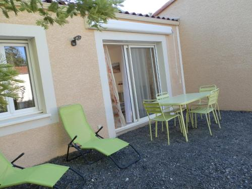 Maison indépendante : Guest accommodation near Cannes-et-Clairan