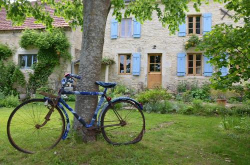 Le vieux vélo : Bed and Breakfast near Saint-Priest-d'Andelot
