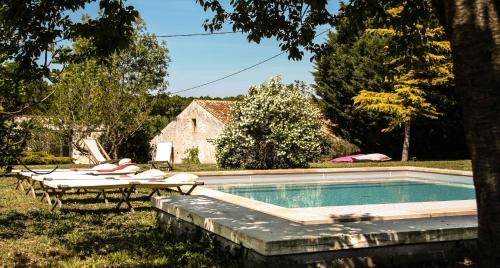 Le Clos du Vallon des Courances : Guest accommodation near Champdolent