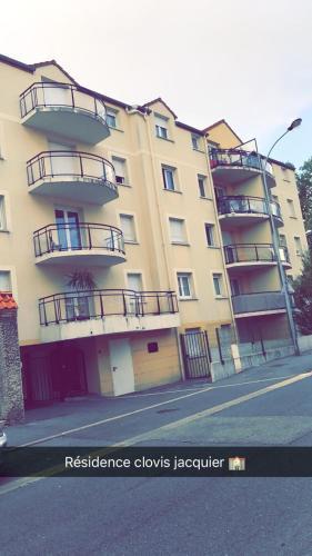 Clovis Jacquier : Apartment near Somme-Tourbe