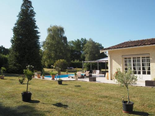 Le Studio de Pawel : Bed and Breakfast near Saint-Paul-de-Jarrat