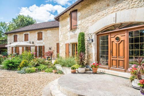 Moulin du Fontcourt : Bed and Breakfast near Beaulieu-sur-Sonnette