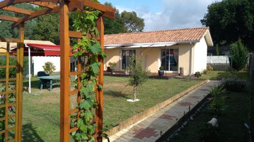 La Cazaline : Bed and Breakfast near Sanguinet