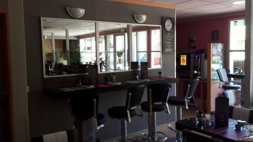 Fasthotel Grenoble Moirans-Voreppe : Hotel near Massieu