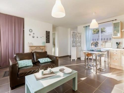 House La sanmaritaine-couleur océan : Guest accommodation near Saint-Michel-Chef-Chef