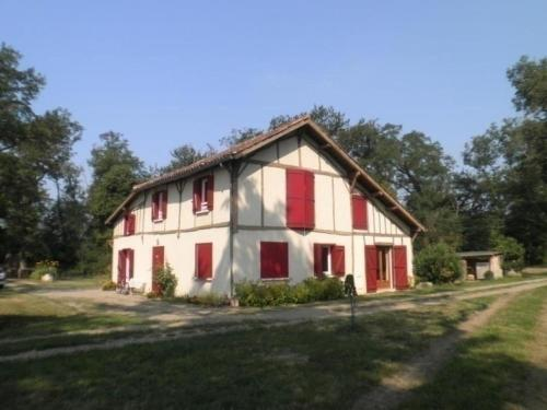 House Ferme de lobit : Guest accommodation near Classun