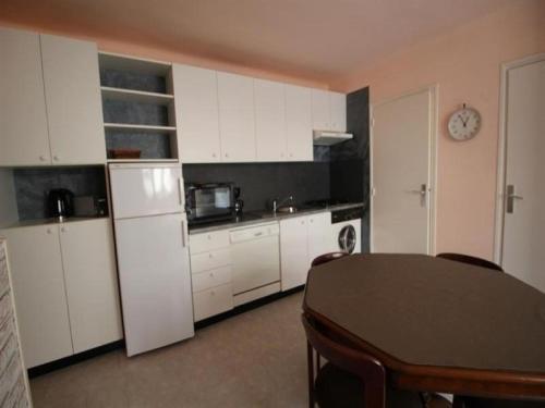 Apartment Appartement type t2, avec garage à 1 minutes à pied du port - port-vendres : Apartment near Port-Vendres