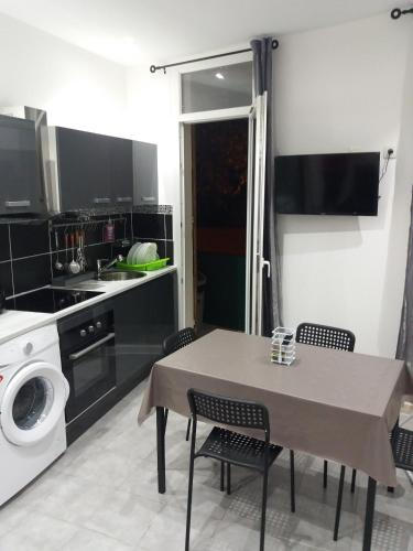 Rodriguez : Apartment near Allauch