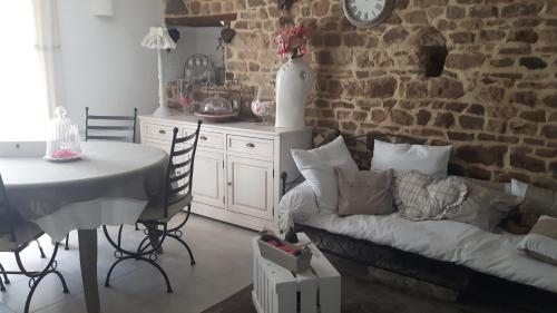 La Clef des Champs : Bed and Breakfast near Grimesnil