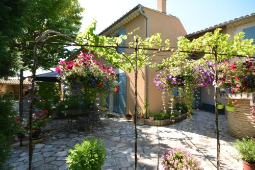 Le Coin Retro : Guest accommodation near Le Thor