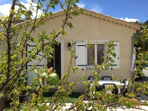 Gorges Du Verdon Castellane Studio : Guest accommodation near La Garde