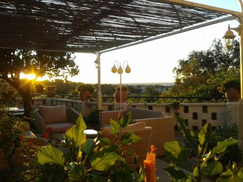 Chambres d'hôtes Les Terrasses du Soleil : Bed and Breakfast near Villeneuve-Loubet