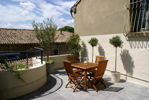 Apartment Sigalon : Apartment near Arpaillargues-et-Aureillac