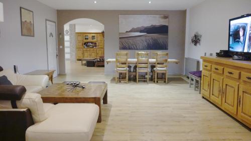 8mn Palais & Plages 250m² Cannes : Apartment near Cannes