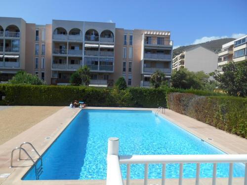 Appartement Les Prés Fleuris - Vacances Côte d'Azur : Apartment near Mandelieu-la-Napoule