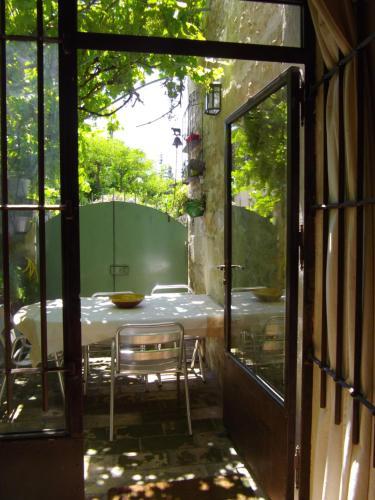 Maison de charme Villeneuve lez Avignon : Guest accommodation near Villeneuve-lès-Avignon