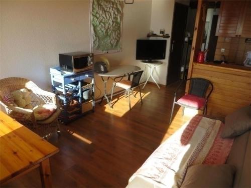 Apartment Chardons bleus : Apartment near Saint-Laurent-du-Cros