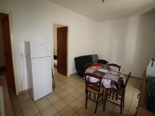 Apartment Appartement f2 au 1er étage, dans quartier calme et typique proche plage : Apartment near Banyuls-sur-Mer