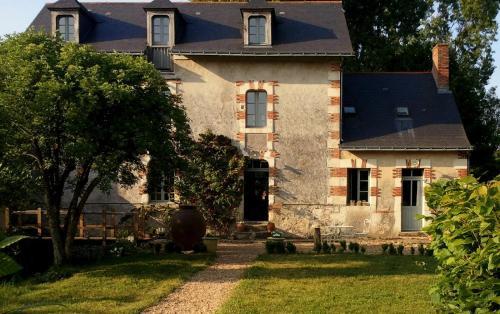 Le Moulin Bregeon : Bed and Breakfast near Cuon