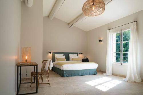 Domaine de Saint Clair : Bed and Breakfast near Bouc-Bel-Air