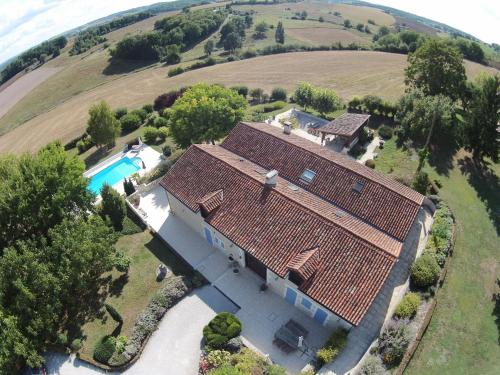Le Maine Menot : Guest accommodation near Rougnac