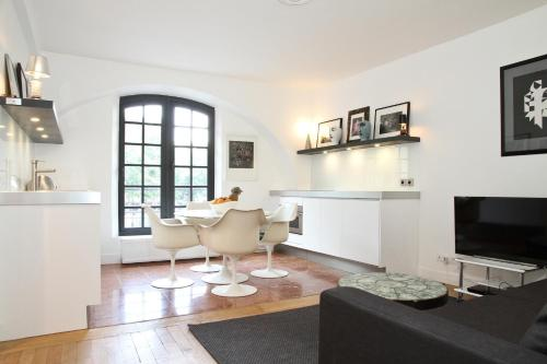 Private Apartment - Le Marais - Hotel de Ville : Apartment near Paris 4e Arrondissement
