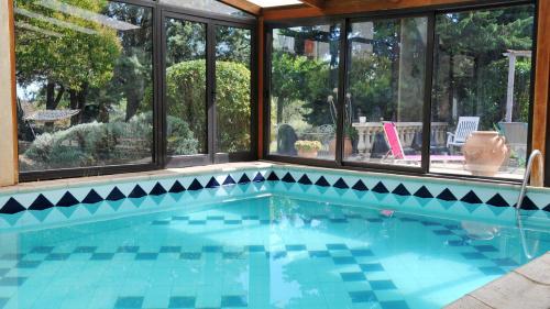 Mas Maurane - L'Olivier : Guest accommodation near Bellegarde