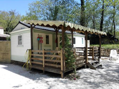 Holiday home La Pize : Guest accommodation near Saint-Genest-de-Beauzon