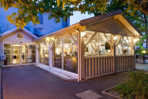Comfort Hotel Acadie Les Ulis : Hotel near Villejust