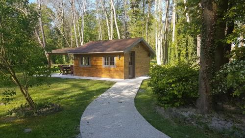 Chalet au Coeur de Foret Gouvieux : Guest accommodation near Chantilly