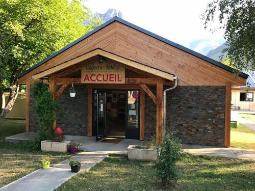 Complexe des Oustalous : Guest accommodation near Celles