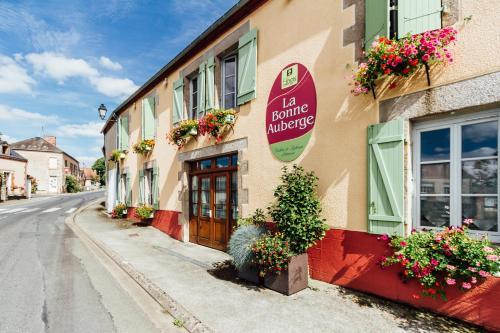 La Bonne Auberge : Hotel near Thevet-Saint-Julien