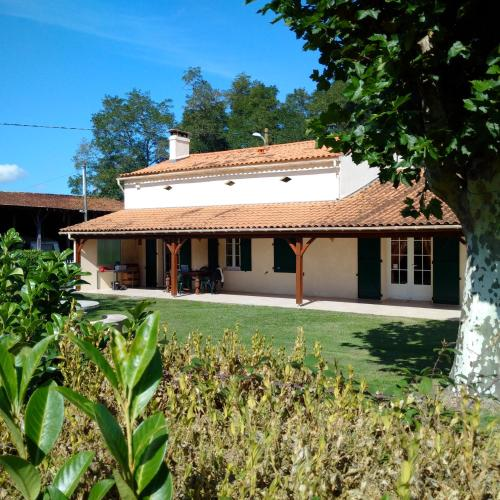 La Mancine Laulan : Bed and Breakfast near Saint-Christoly-Médoc