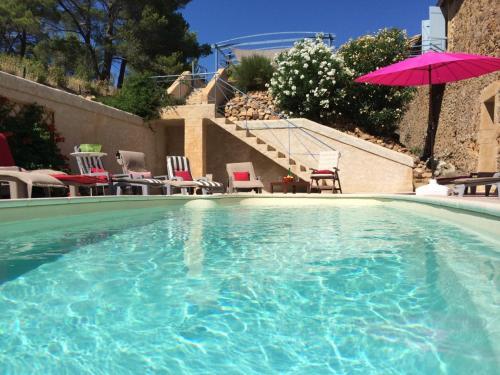 Gites De Pradines Le Haut : Guest accommodation near Montséret