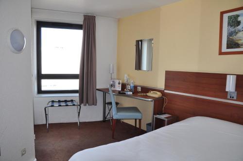B&B Hôtel Rouen Centre St Sever : Hotel near Sotteville-lès-Rouen