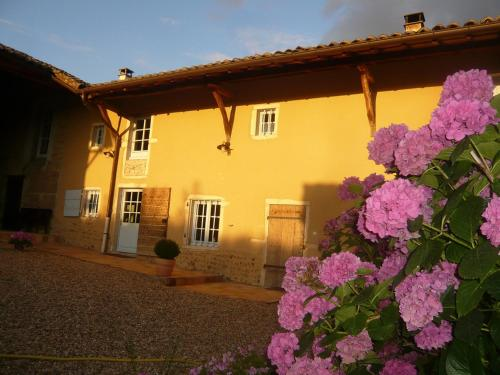 Bed & Breakfast - Maison de Marie : Guest accommodation near Francheleins