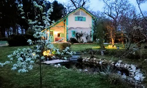 Les Hôtes Landes : Bed and Breakfast near Sarbazan