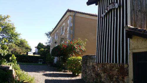 Gites Matilon : Apartment near Castelnau-Tursan