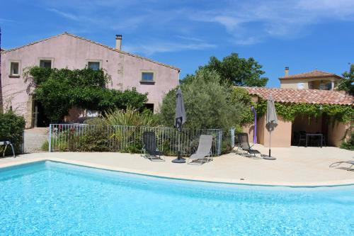 la villa rose : Guest accommodation near Aumes
