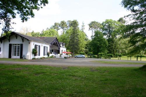 Hostellerie Landaise : Hotel near Saint-Michel-de-Castelnau